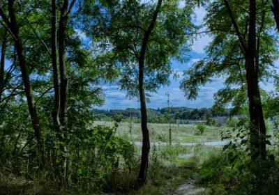 foto zij ingang Natuurbegraafplaats Eygelshof